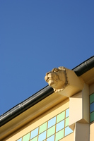 lion head on burrard bridge