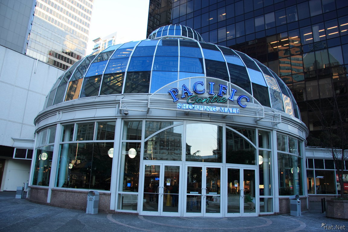 Jul 26, · Excellent shopping centre in heart of downtown Vancouver Located in heart of downtown Vancouver. Good selection of stores from more common brands to high end retail.4/4().